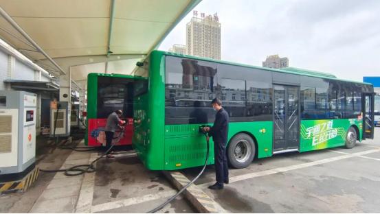 合川区投运216台新能源公交车 远超国家规定标准